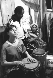 Frisner Augustin teaches Kathy Jackson (left) and Lois Wilcken at a class in Manhattan, May 1983.